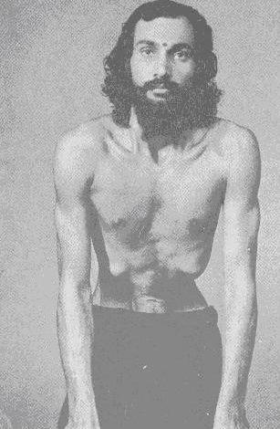 Удара-шакти-викасака — 10, или наули (укрепление мышц живота)